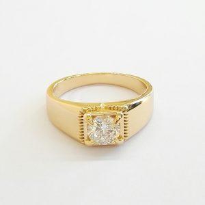 Дамски пръстен с бял кубичен цирконий. 18К златно покритие