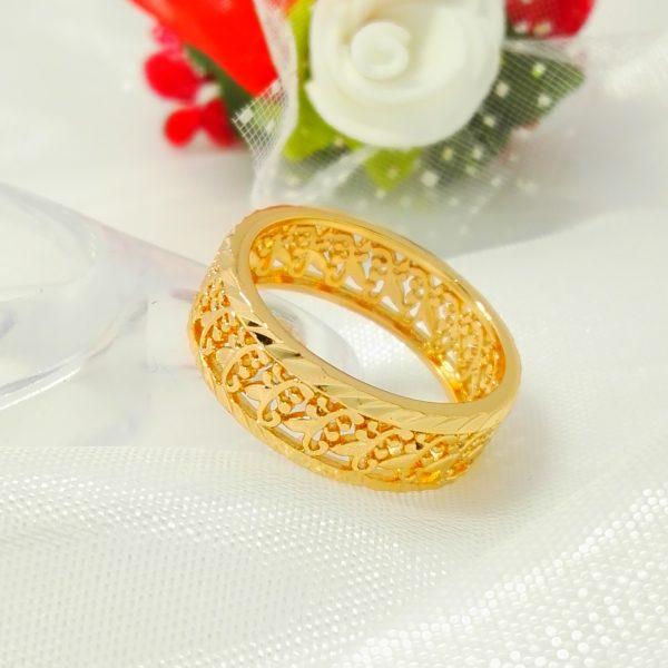 Масивен дамски пръстен – ажурен тип халка. 18К златно покритие