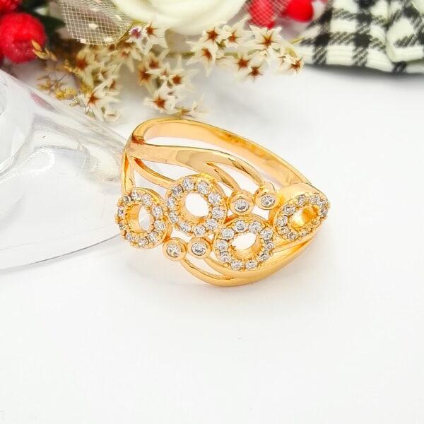 """Масивен дамски пръстен """"Брилянт""""с бели кубични цирконии.18К златно покритие"""