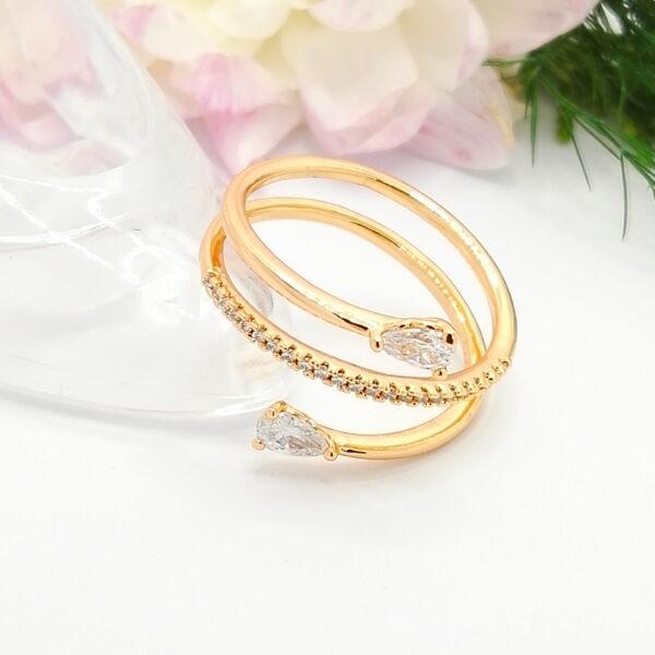 """Дамски пръстен """"Естрела"""" с бели кубични цирконии.18К златно покритие"""